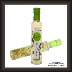 White wine vinegar with oregano